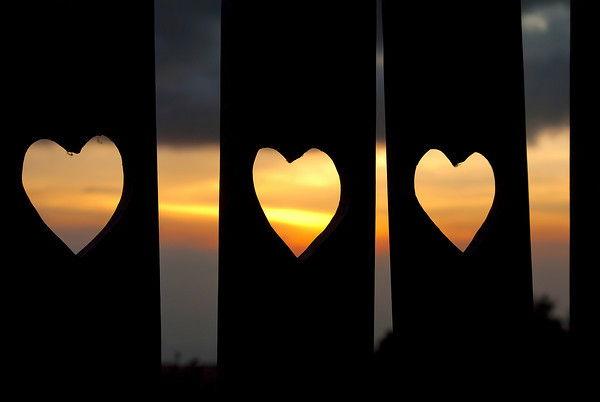 love-triangle-hearts